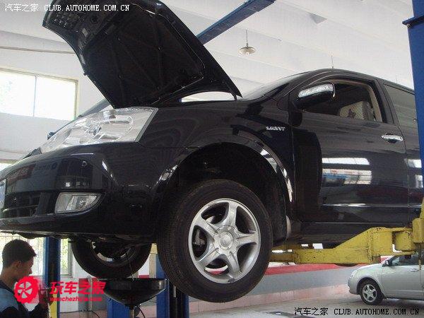 吉利汽车远景排气改装二保作业高清图片