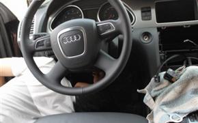 奥迪Q7改装触屏导航及倒车影像