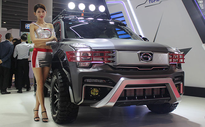 广汽传祺GS8重度改装升级 实拍GS8拓域者越野车