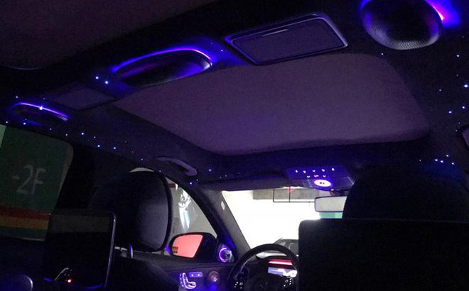 全新奔驰E级顶配内饰再深造,改装星空顶加ALCANTARA材质