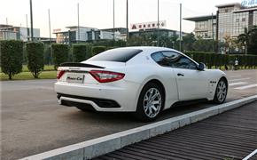 车身改色 玛莎拉蒂GT全身贴电光白色膜