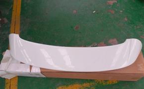 英朗加装IRMSCHER尾翼与双出排气