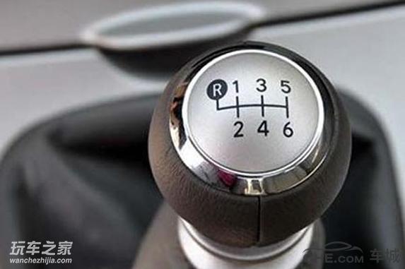 如何正确开车挂挡 两招小秘诀轻松搞定