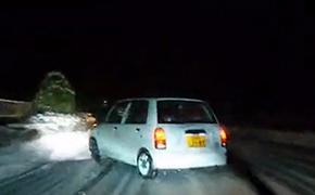前驱Kcar 深夜雨雪漂移下山