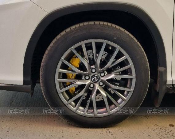 雷克萨斯RX改装BREMBO GT6刹车,提升刹车效果