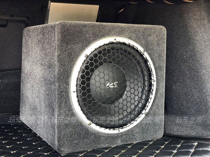 凯迪拉克CT6改装案例 骚气内饰享受高品质音质