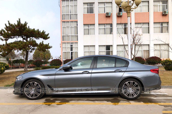 车友提2019款宝马530i石青色 轻度改装提升颜值