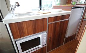 考斯特最具有家味道的房车内饰改装