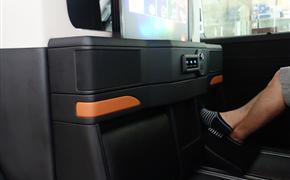 大众T6迈特威专业改装特色中隔墙,独特设计保证隐私性!
