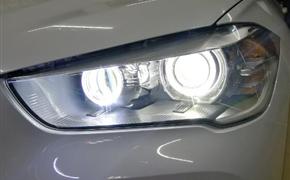 宝马X1原车灯升级改装四透镜,实现4近4远