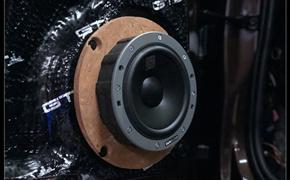 奥迪A5汽车音响改装  英国创世纪+丹麦丹拿大牌组合