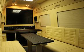 奔驰凌特改装舒适保姆车,内饰装全隔断、真皮座椅、九宫格顶灯!