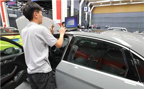 强化 奥迪RS3 2.5T 刷ECU动力升级 范式汽车霓虹灯下最闪耀!