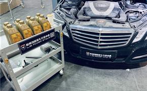 奔驰E300L小保养 更换机油机滤