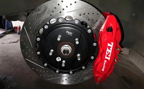 众泰SR9改装德国TEI Racing大六刹车套装