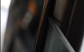 奥迪A6c8更换双层玻璃,隔离音噪拥有安静车内环境