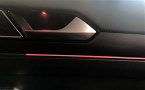 大众迈腾领先升级改装全车氛围灯——柔和、细腻灯光衬托车内氛围