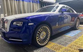 劳斯莱斯魅影改装22寸万吨锻造轮毂搭配水晶女神标