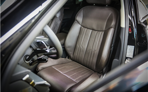 奥迪A8L安装原厂座椅通风 清爽夏日