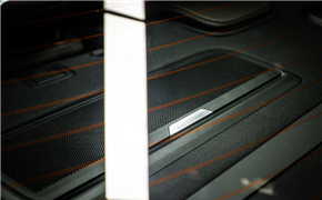 奥迪A8升级B&O音响+360全景影像+抬头显示