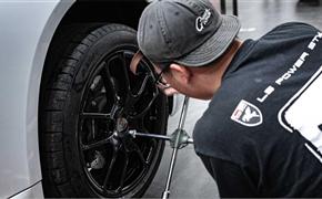 保时捷718升级多功能方向盘,轮毂亮黑改色