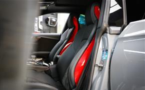 奥迪RS5 Rays G025锻造轮毂+红色RS座椅侧饰板+BLOX锻造螺丝